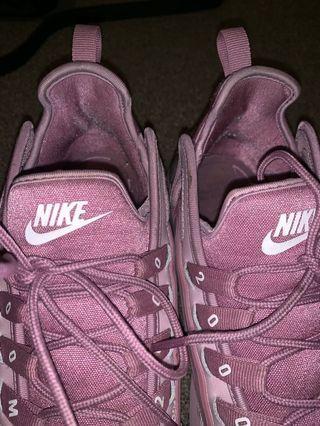 Pink/Blush Nike Zooms