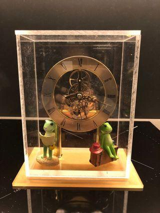 🚚 Table Clock