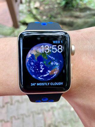 ⌚️ Apple Watch Gold Aluminium 42mm (Series 2)