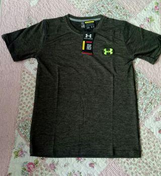 Under Armour Shirt short and lobg sleeves