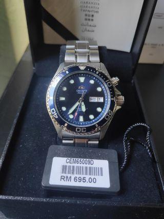 Orient Mako RAY II 2 blue CEM65009D diver watch day date 200m