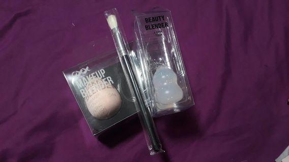 BUNDLE: OXX Makeup Beauty Blender, Typo silicone Beauty Blender and FREE 217 brush