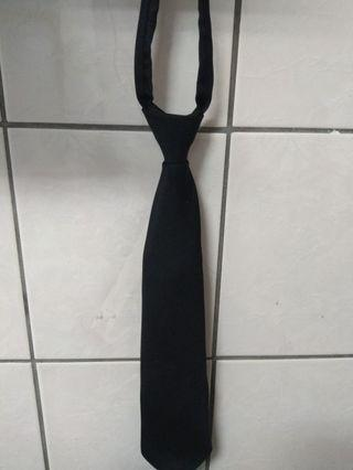 🚚 黑色領帶