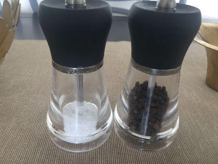 Cole & Mason Salt & Pepper grinders