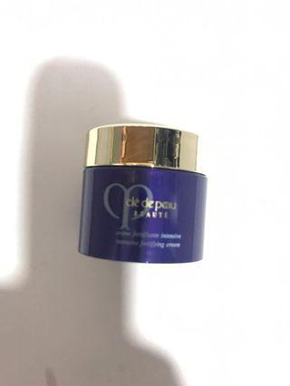 Cle de peau night cream 5ml