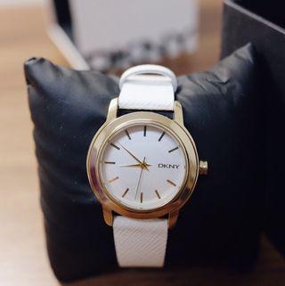 🚚 DKNY女款手錶 專櫃購入(金框白錶帶)