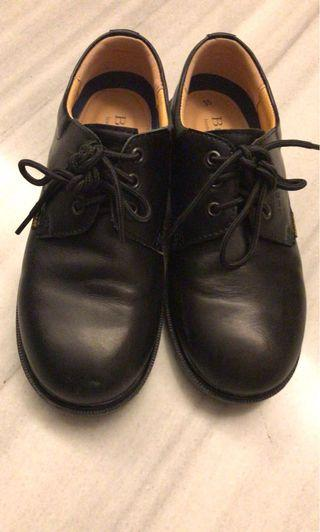 Buster shoes size 35 95% new