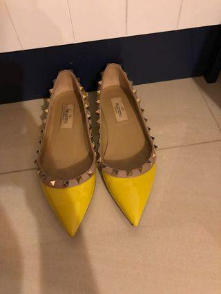 🚚 Valentino classic shoes
