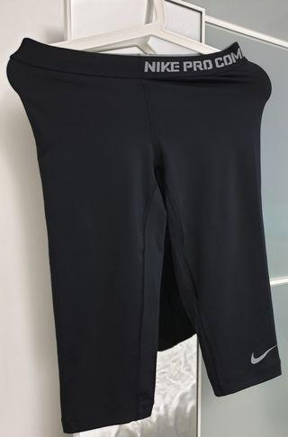 Nike women's tights, black exercise wear size M, dry fit