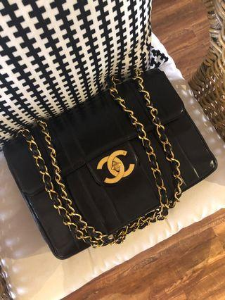 Authentic Chanel vintage jumbo