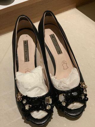 🚚 Elisa Litz heels