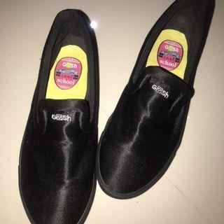 Sepatu Gosh Hitam Cantik barter REPRICE