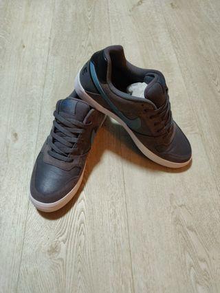 Nike Dunk Shoes - grey/blue - US size 9.5