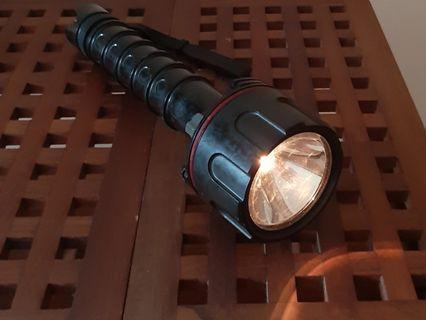 Diving torch - Toshiba, waterproof