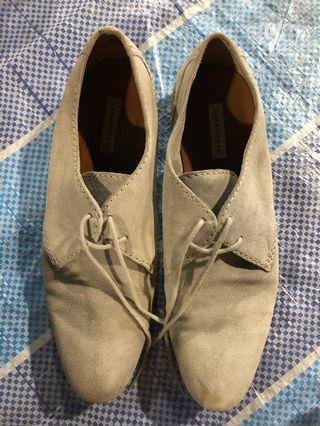 🚚 Zara woman casual shoes