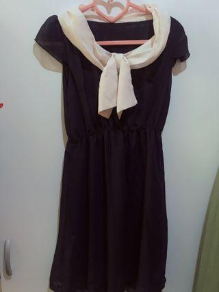 🚚 深藍雪紡洋裝