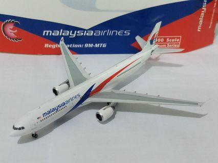 1/400 Phoenix malaysia airlines A330-300 9M-MTG