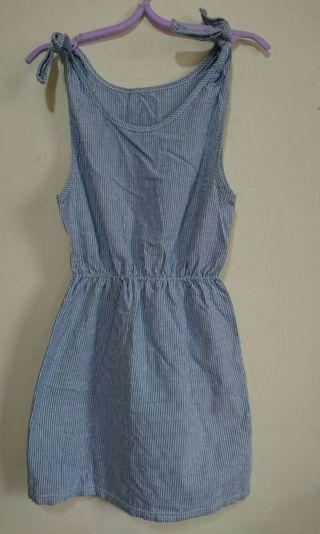 綁帶連身裙 直條藍白色 洋裝