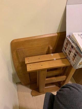 時尚木桌子