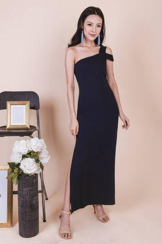 🚚 Ohvola Miya Toga Maxi Dress
