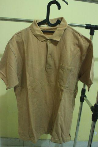 Polo shirt, kaos berkerah merek Visa warna coklat mocca