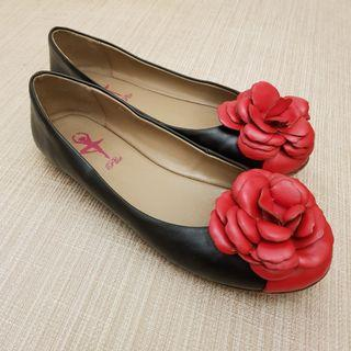 Plie Leather Flower Flat Shoe