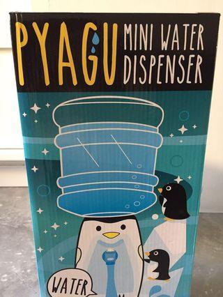 Penguin mini water dispenser