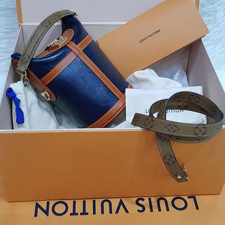 BNIB   (hard to get) LV full leather navy duffle bag with Reverso Handle & Strap 2019 (22x23x14)