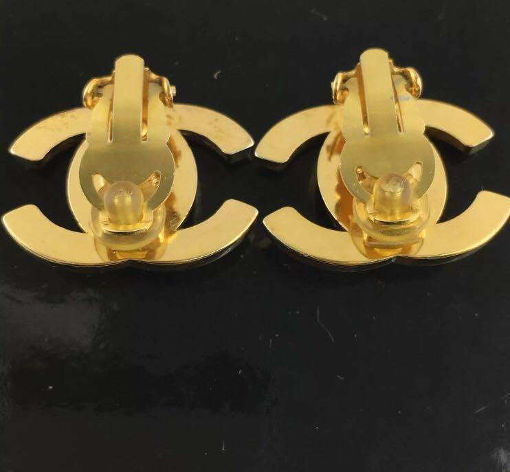 Chanel Vintage Turnlock 24k gold Earring