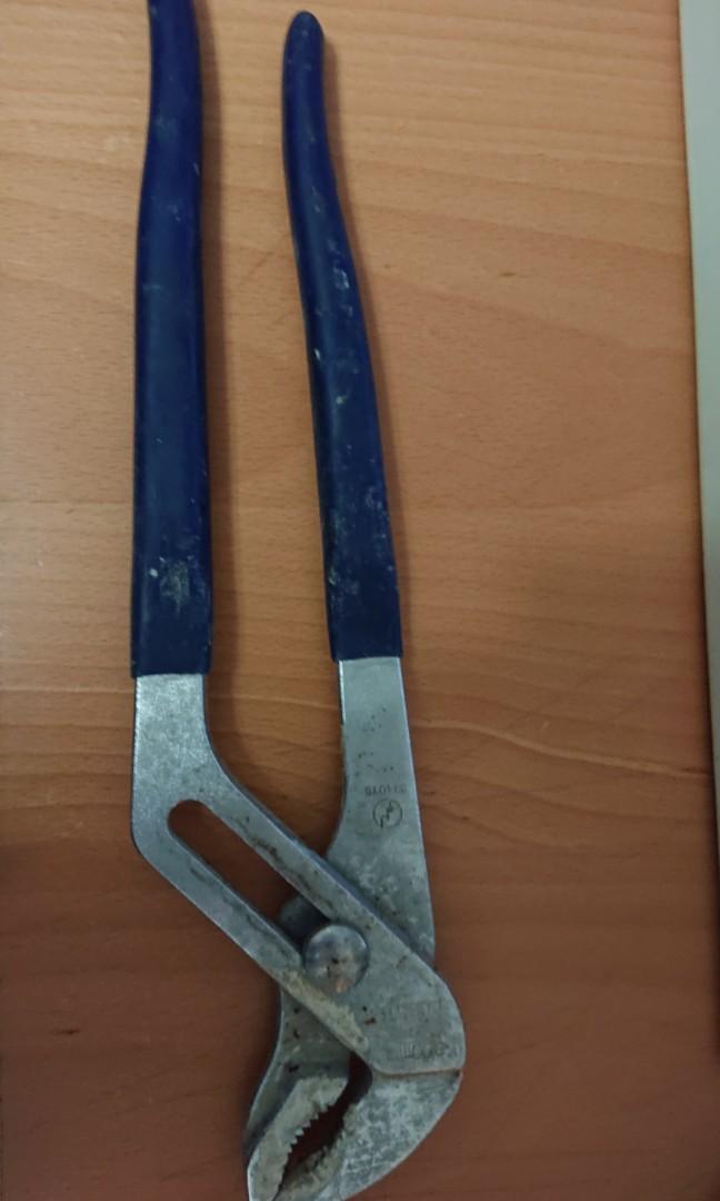 Clamp -tool