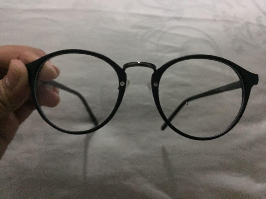Kacamata round