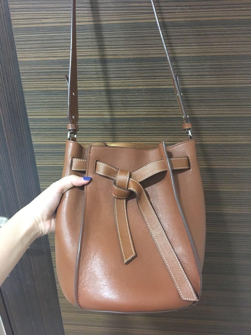 928bcf1fea8 Massimo Dutti Leather Bucket Bag, Women's Fashion, Bags & Wallets ...