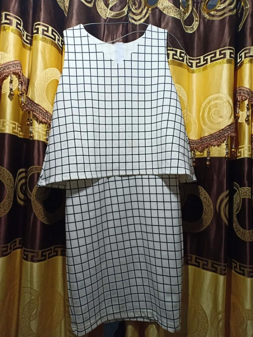 Mididress white (kotak kotak)
