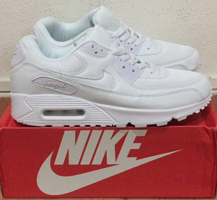 official photos 616f1 f5fdd Nike Air Max 90, Men s Fashion, Footwear, Sneakers on Carousell