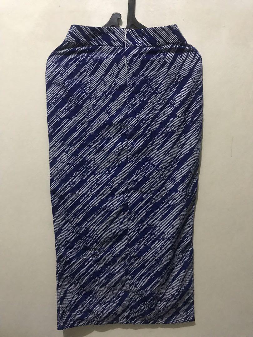 Pattern Skirt biru tua