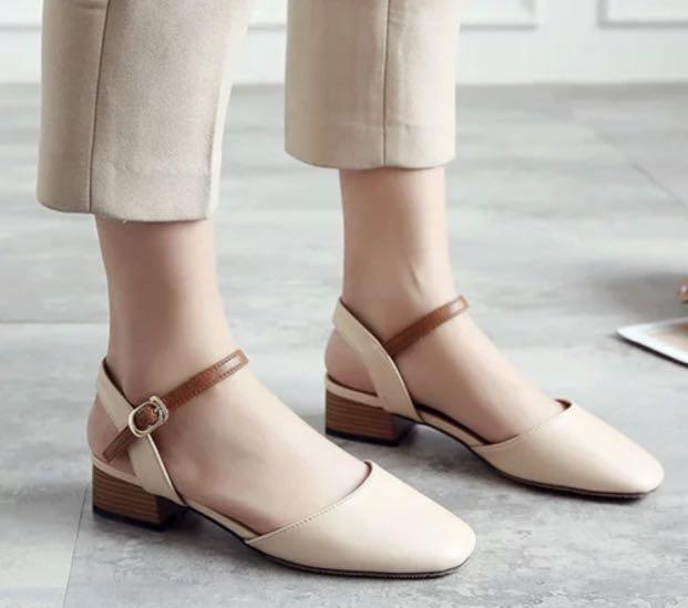 (PO) Closed Toe Heels
