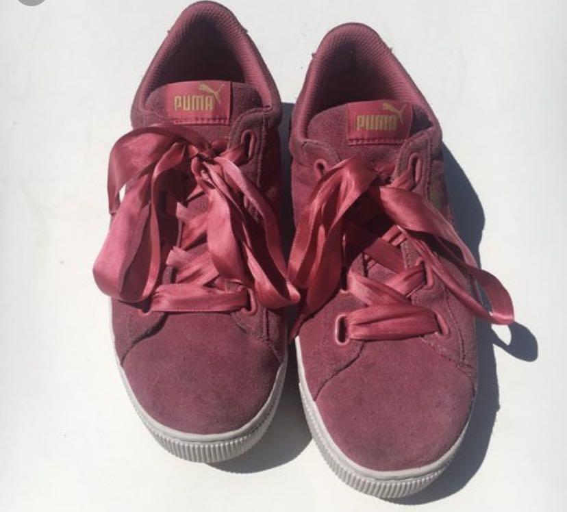 puma vikky ribbon suede shoes!