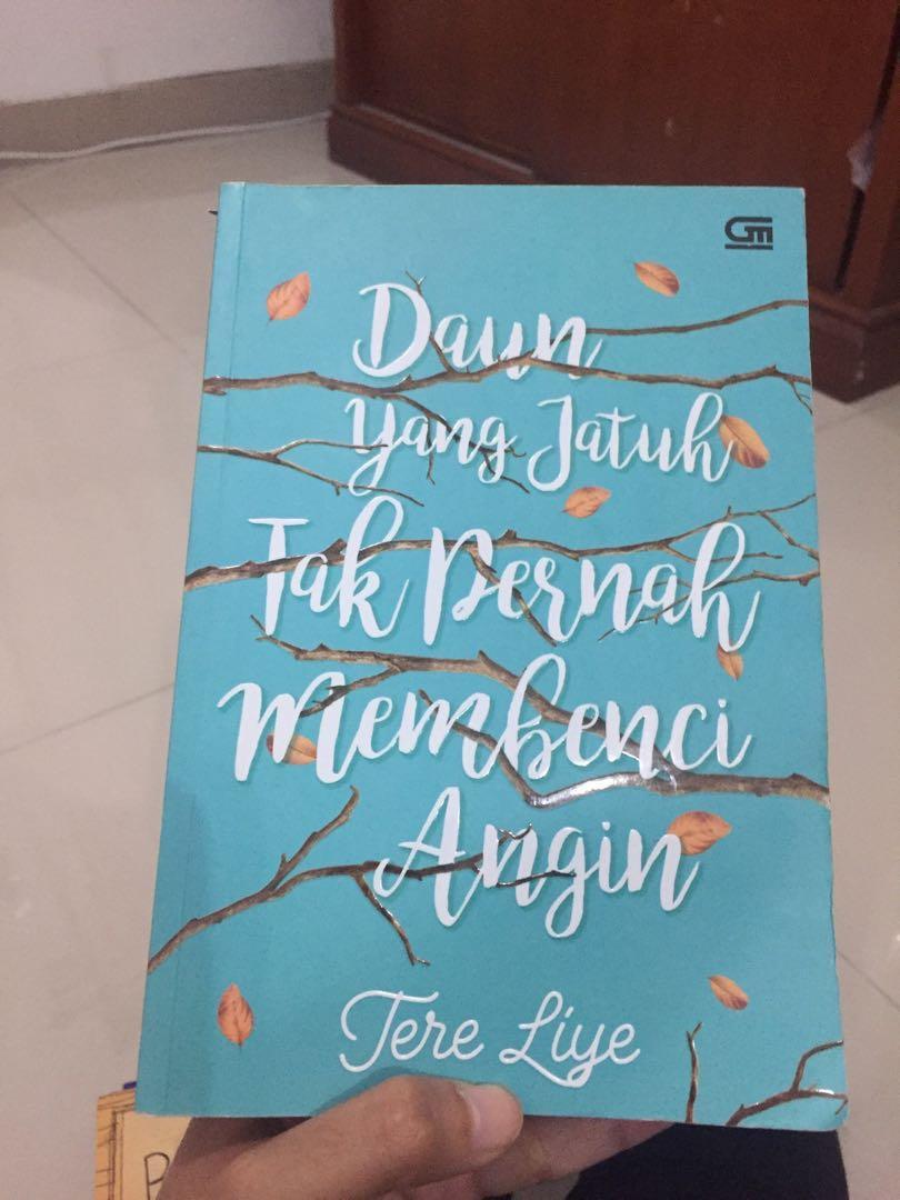 (REPRICE) Novel Tere Liye Daun yang Jatuh tak Pernah Membenci Angin