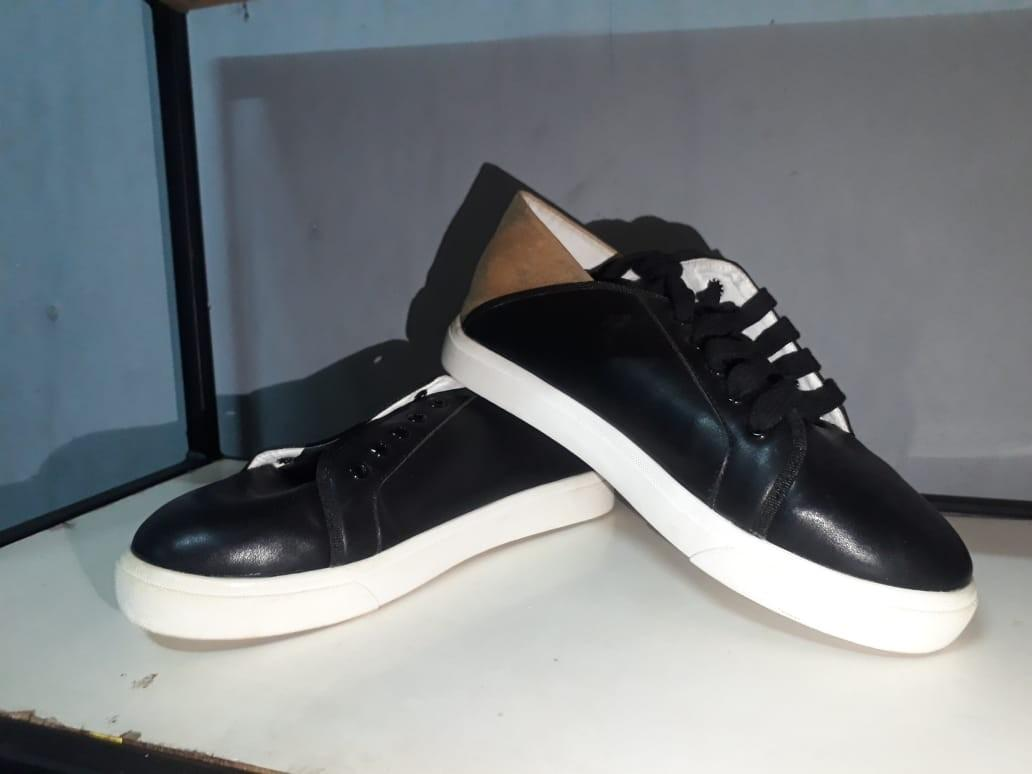 Sneakers Black Gold