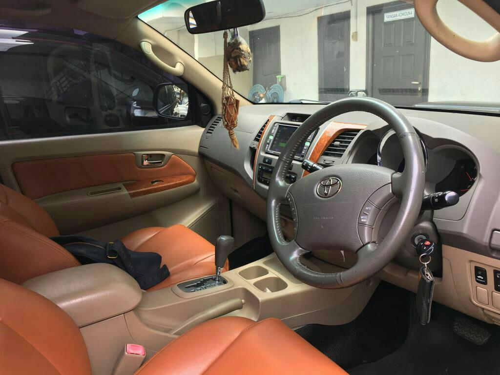 Toyota FORTUNER 2.5 G A/T tahun 2010 facelift 2015