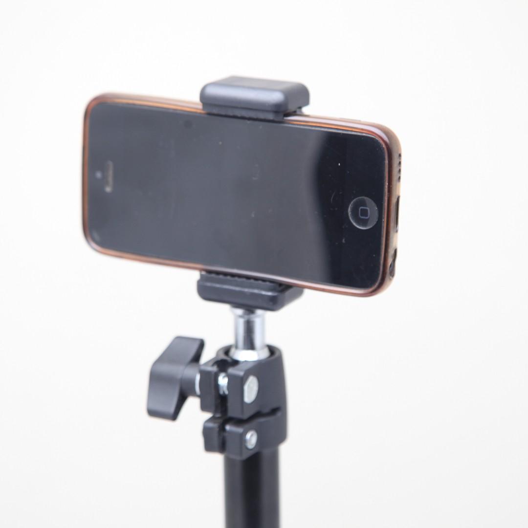 Universal Table-Top Smartphone Stand / BRAND NEW / GTAPhotoStudio . com