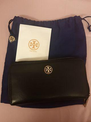 🚚 Tory Burch Black & Gold Wallet