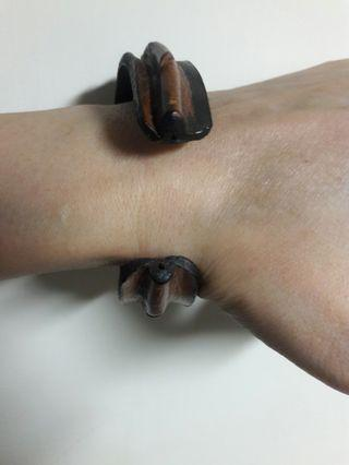 🚚 真皮開口手環(賣出所有物品的總額撥2%做公益)