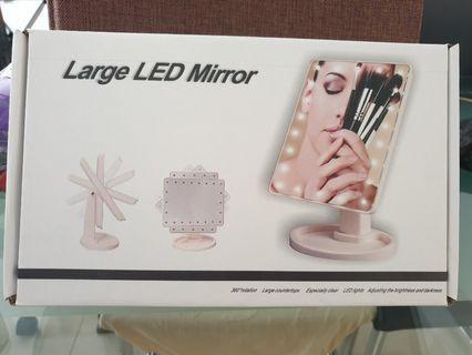 🚚 LARGE LED MIRROR