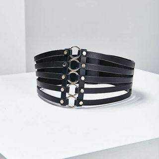 Urban Outfitters Wide Metal Ring Belt in Black
