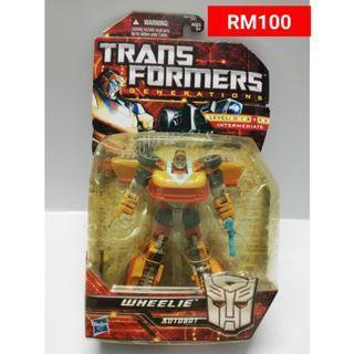 Wheelie Deluxe Class Transformers Generations RM100