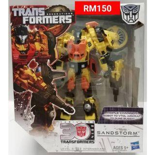 Sandstorm Triple Changer Voyager Class Transformers Generations RM150