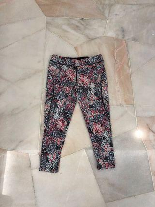 Exercise tights (no brand)