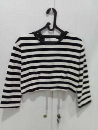 Black&White Stripes Cropped-Tee
