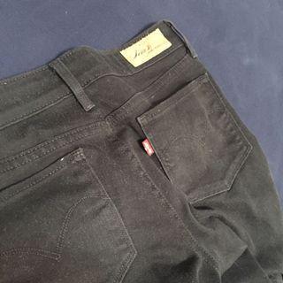 LEVI'S黑色直筒褲